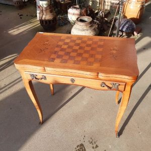 1-Table à jeux 340€