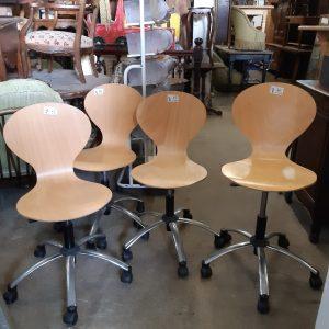 Chaises de bureau 45€