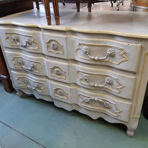 commode-arbalète-480€