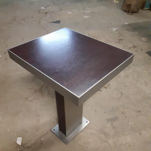 table restauration inox( 3 ) 65€